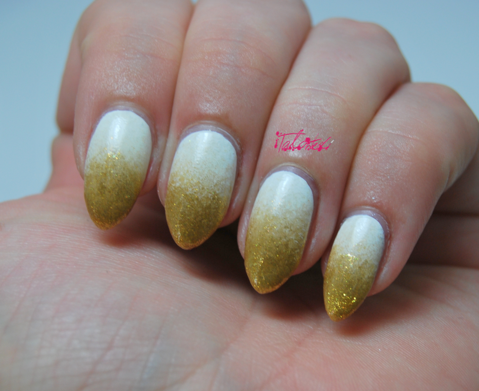 Gold Gradient Nail Art