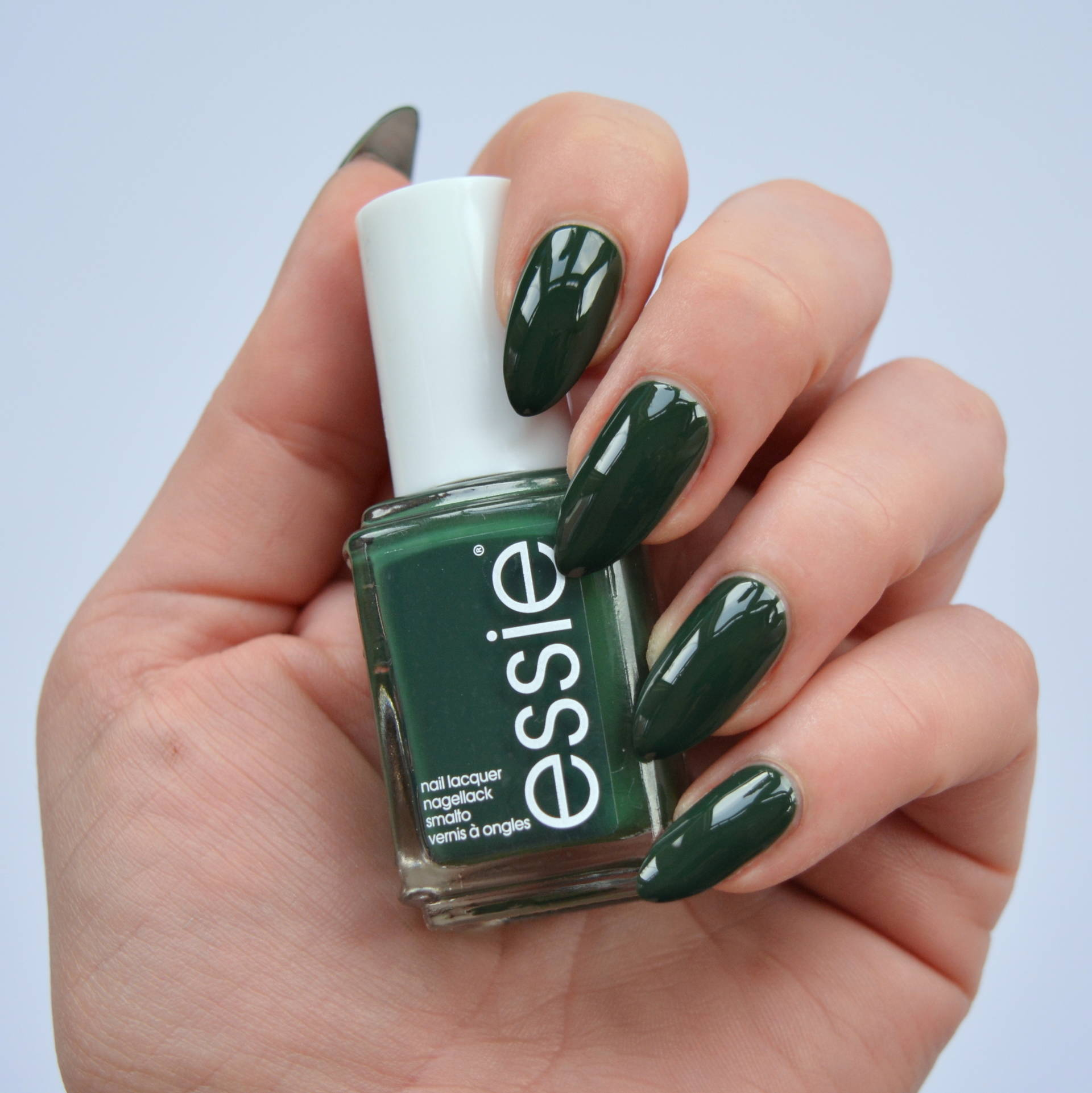 essie-spring-2016-off-tropic-2