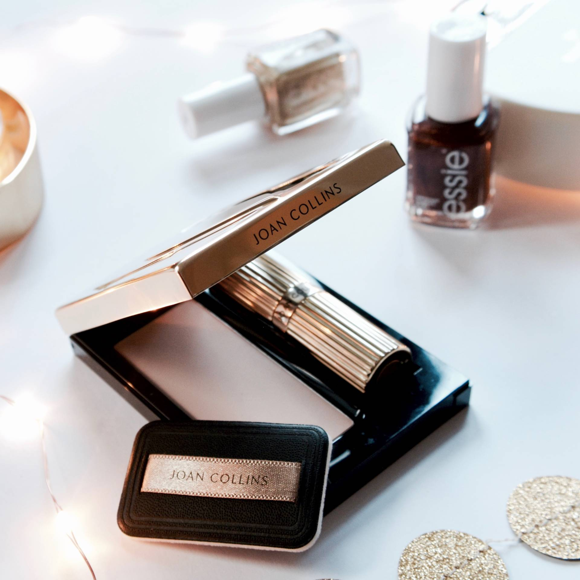 Last Minute Gift Guide: Joan Collins Timeless Beauty Compact Duo