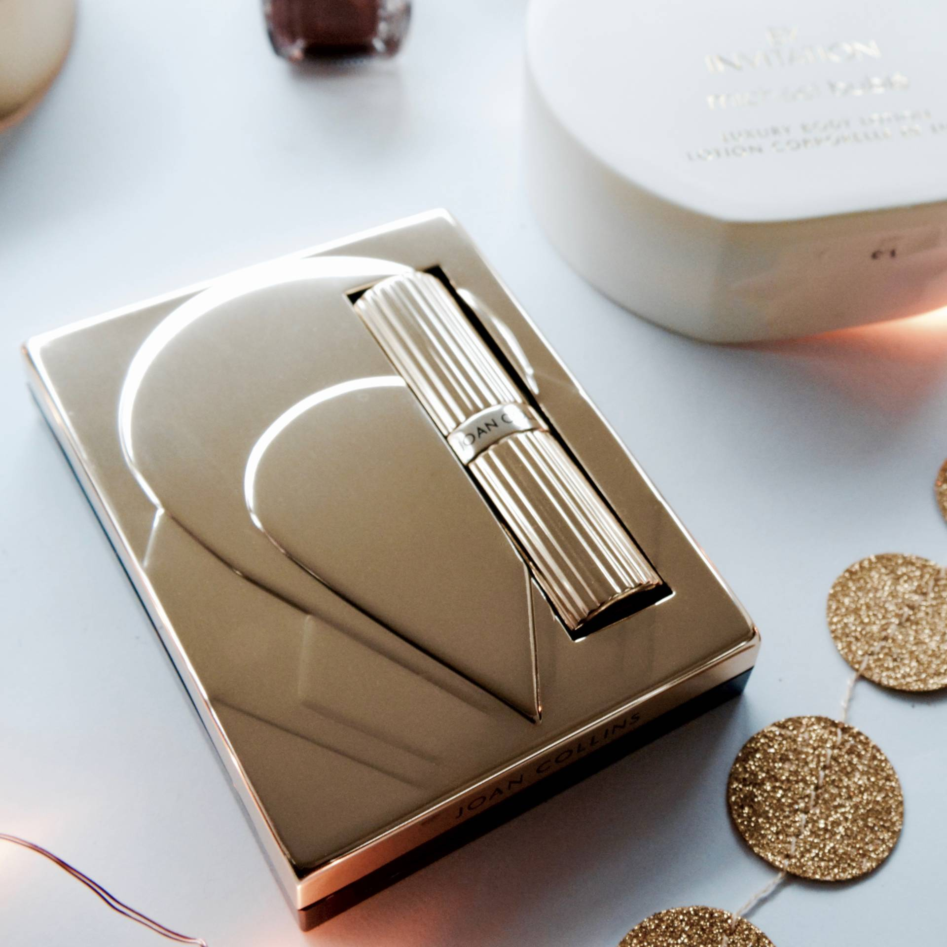 Last Minute Gift Guide: Joan Collins Timeless Beauty Compact Duo Lipstick & Powder