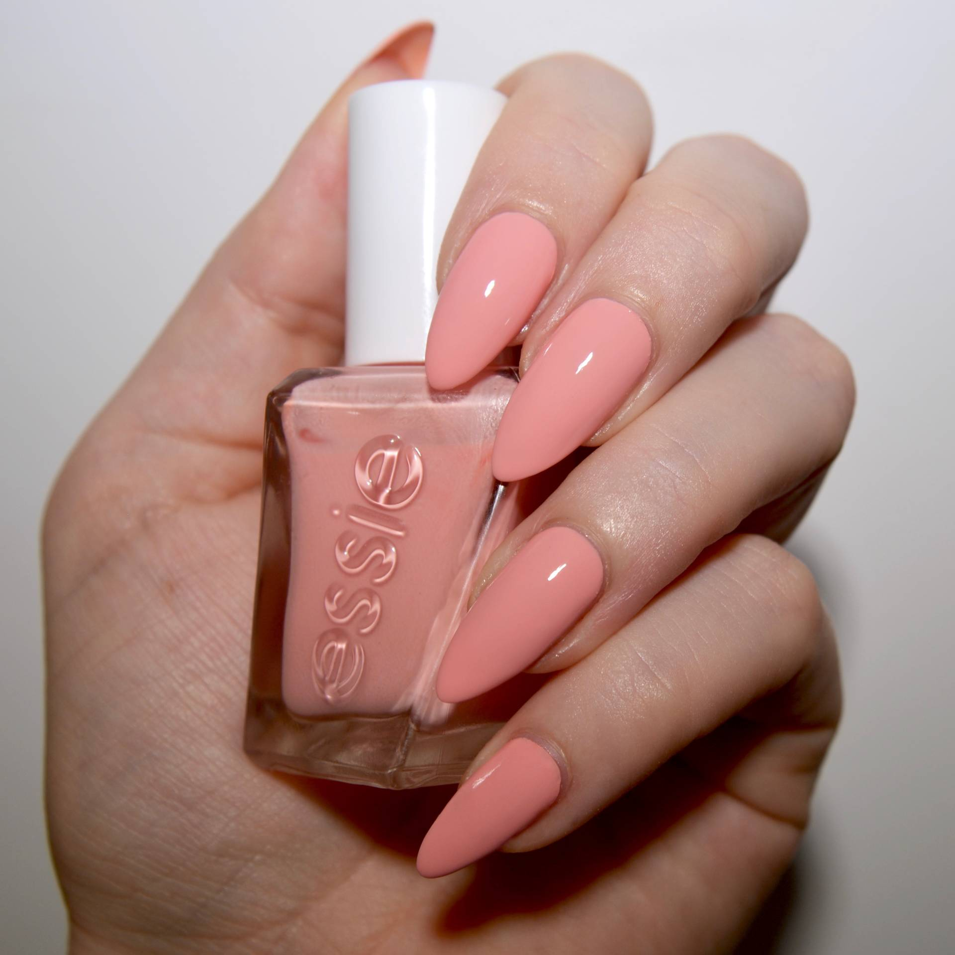 Essie Gel Couture Ballet Nudes Hold The Position