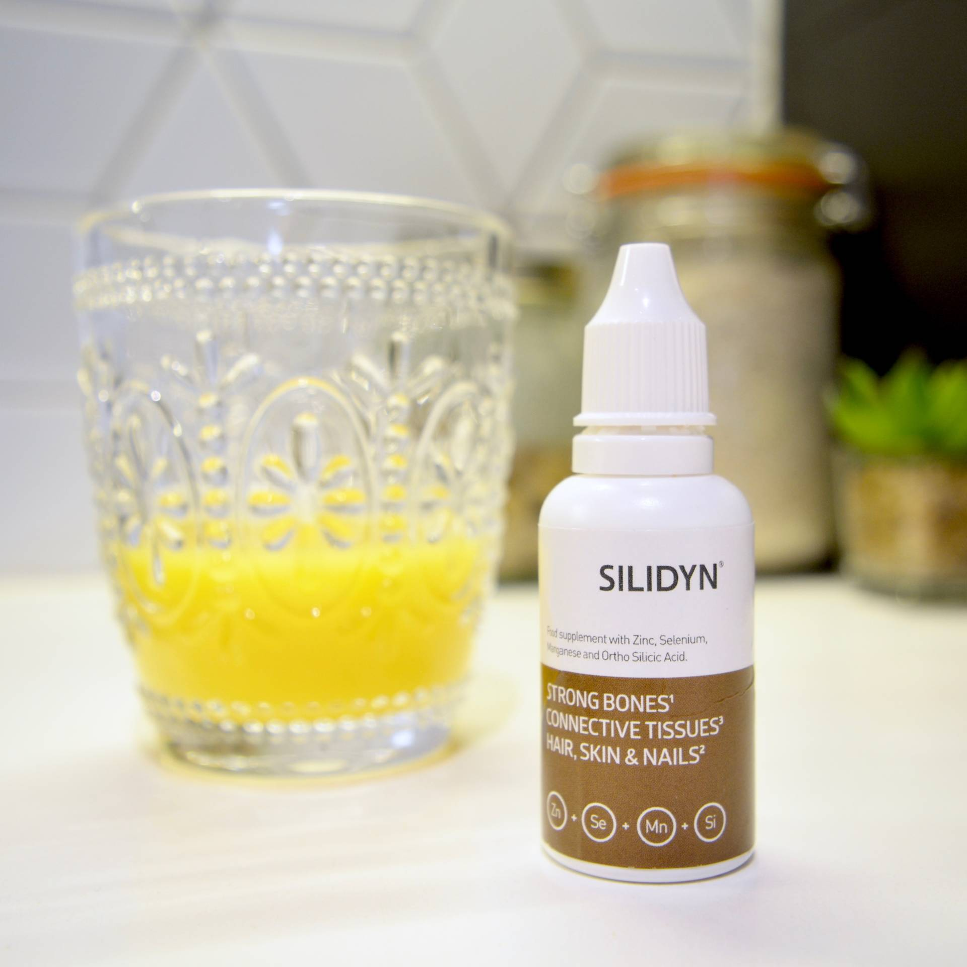 Silidyn Rejuvenate Review: A Liquid Supplement For Inner and Outer Beauty