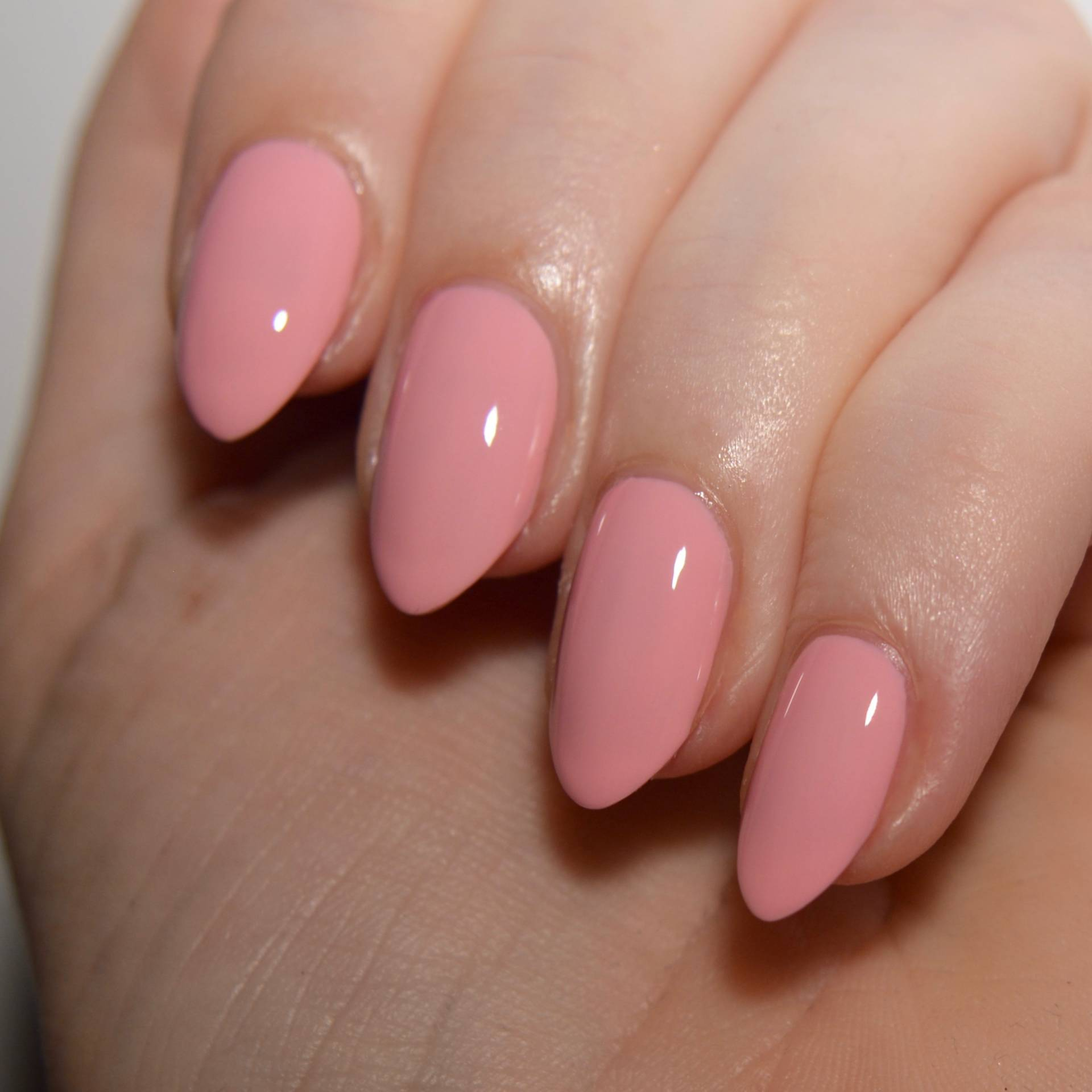 Essie 'Flawless' from the Retro Revival 2017 collection. I love this muted blush pink nail polish.