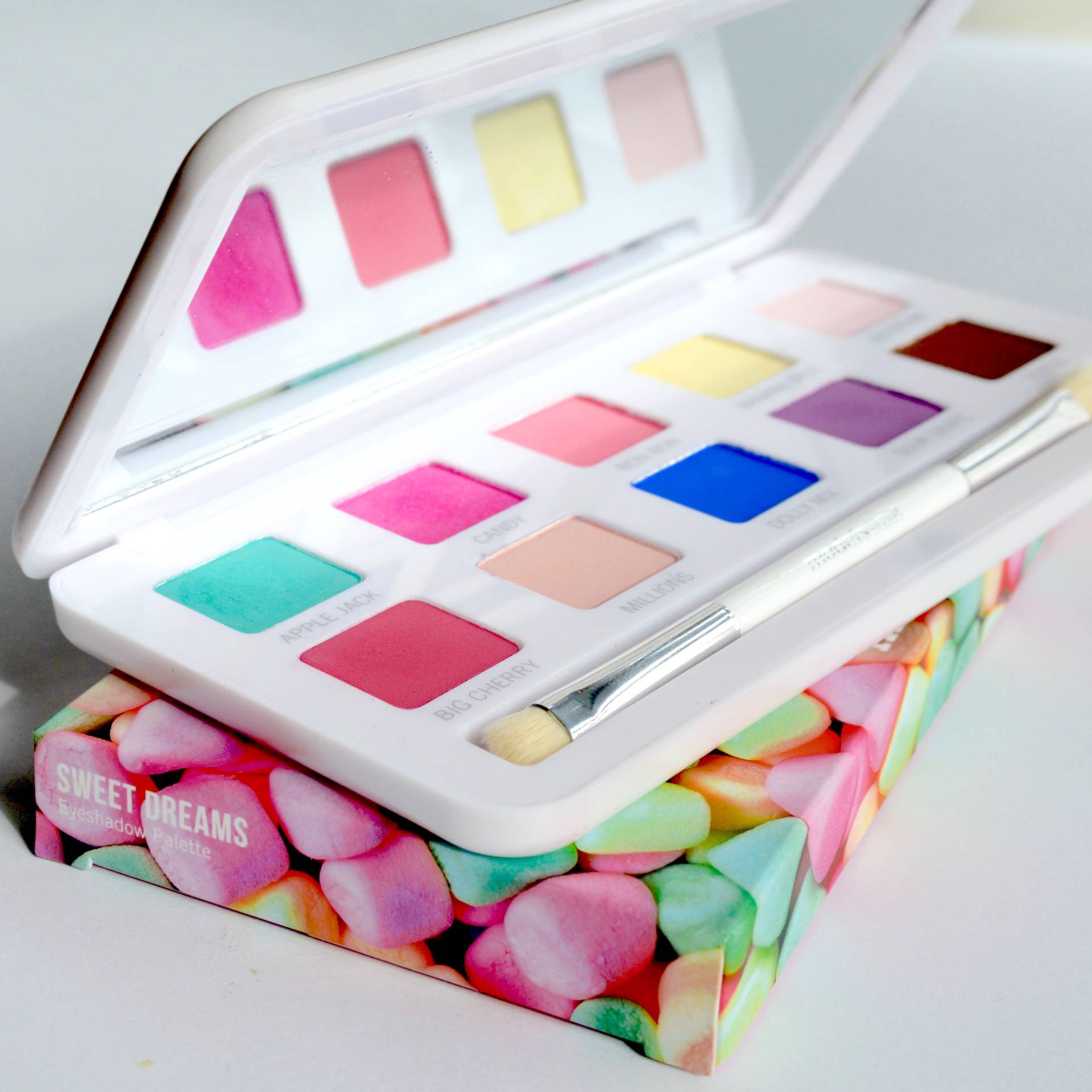 Friday Faves: Models Own Sweet Dreams palette. Pastel eye make up is so pretty for spring!