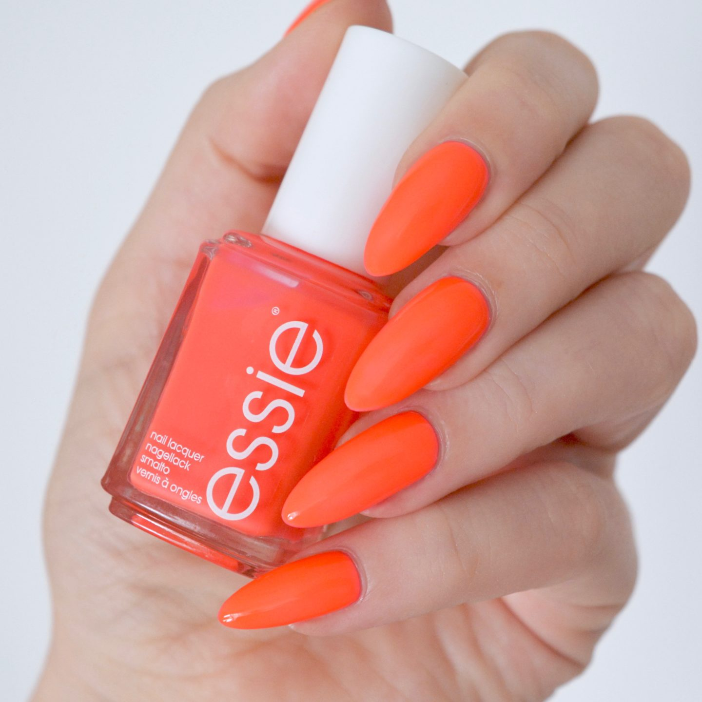 Essie Neon 2017 Collection: 'gallery gal'