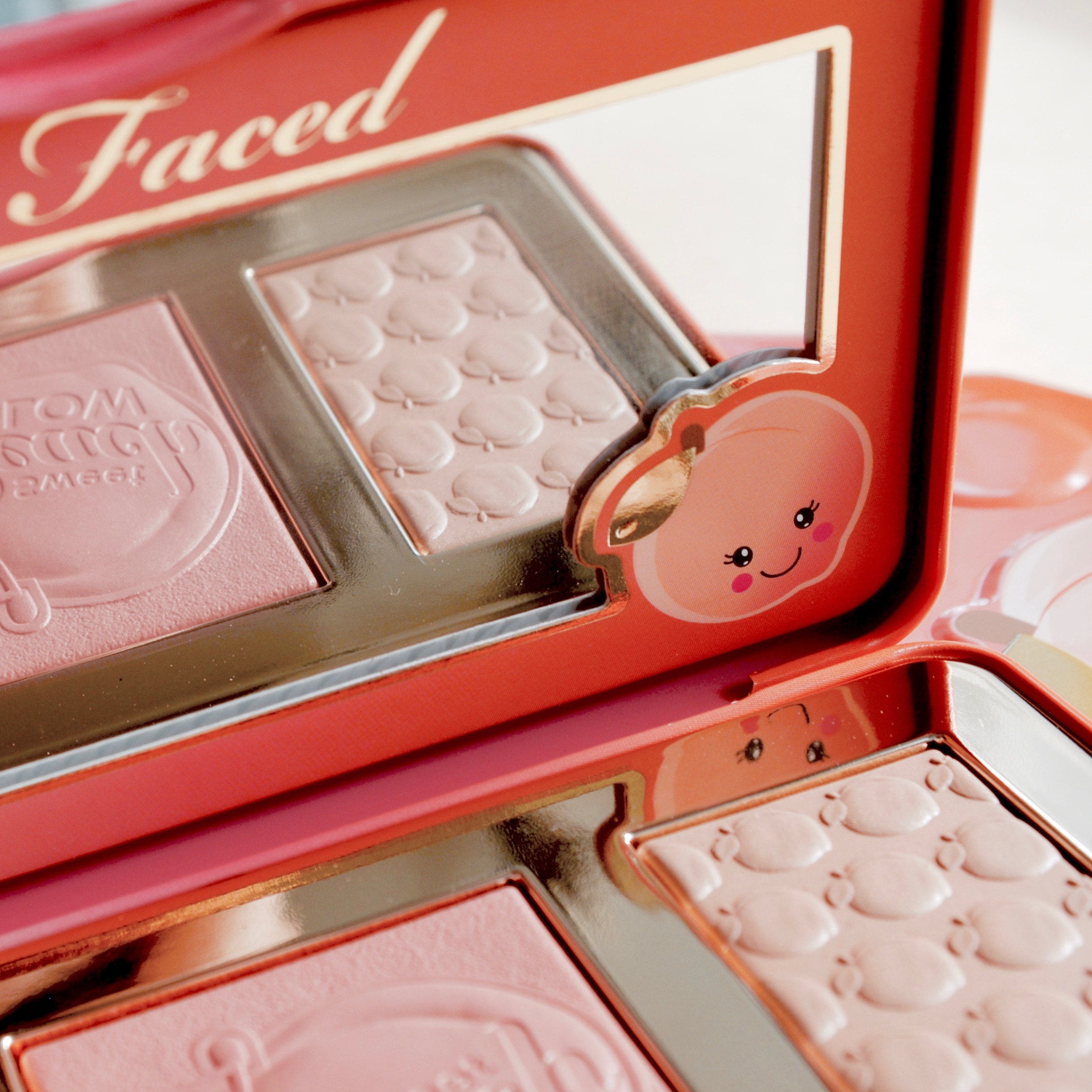 Friday Faves - Too Faced Sweet Peach Glow highlighting palette
