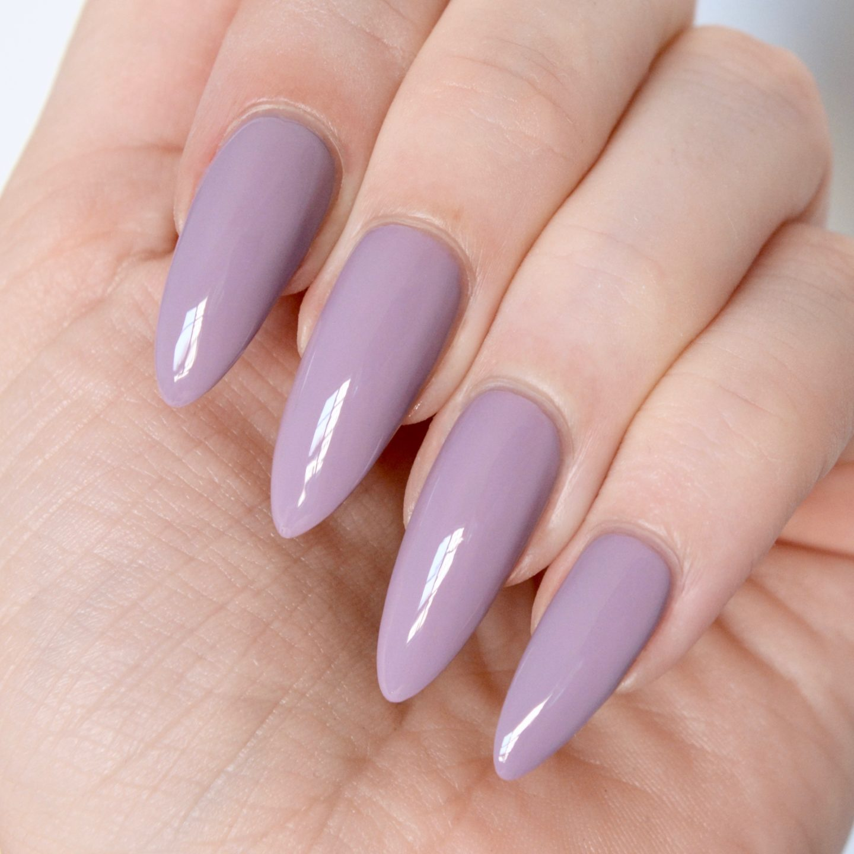 Essie Resort 2017 Ciao Effect swatches: grey- lavender polish