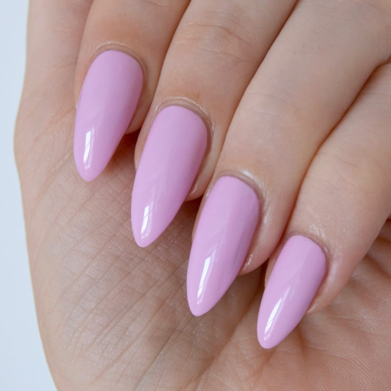 Essie 'baguette me not' (summer collection 2017)