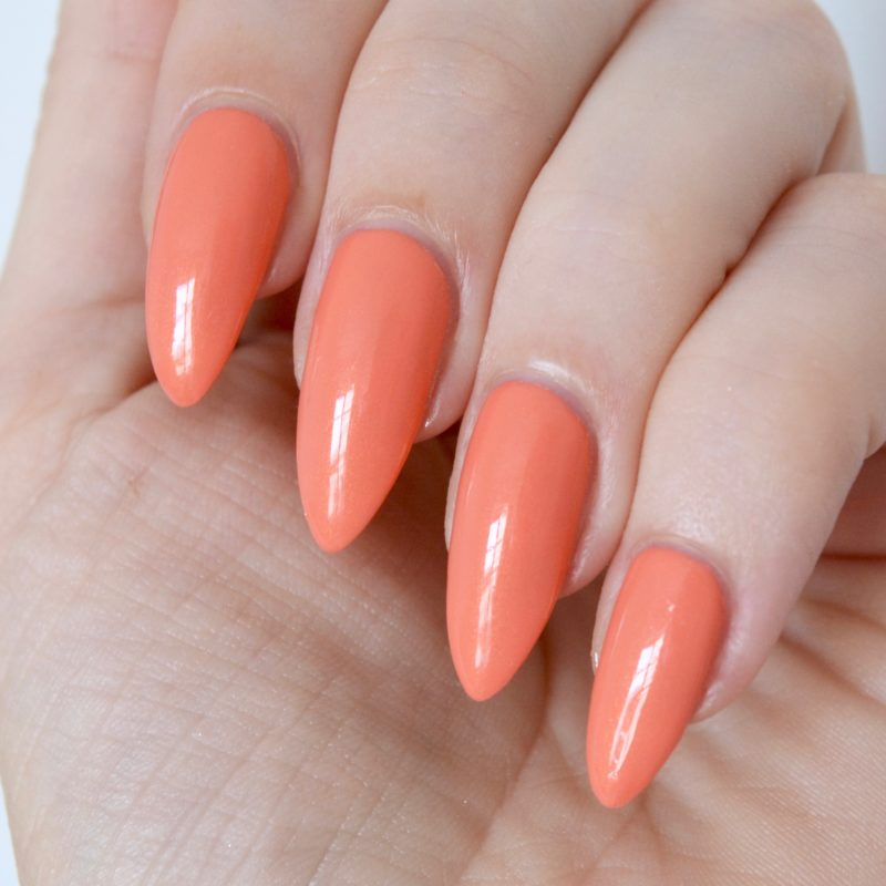 Essie 'fondant of you' (summer collection 2017)