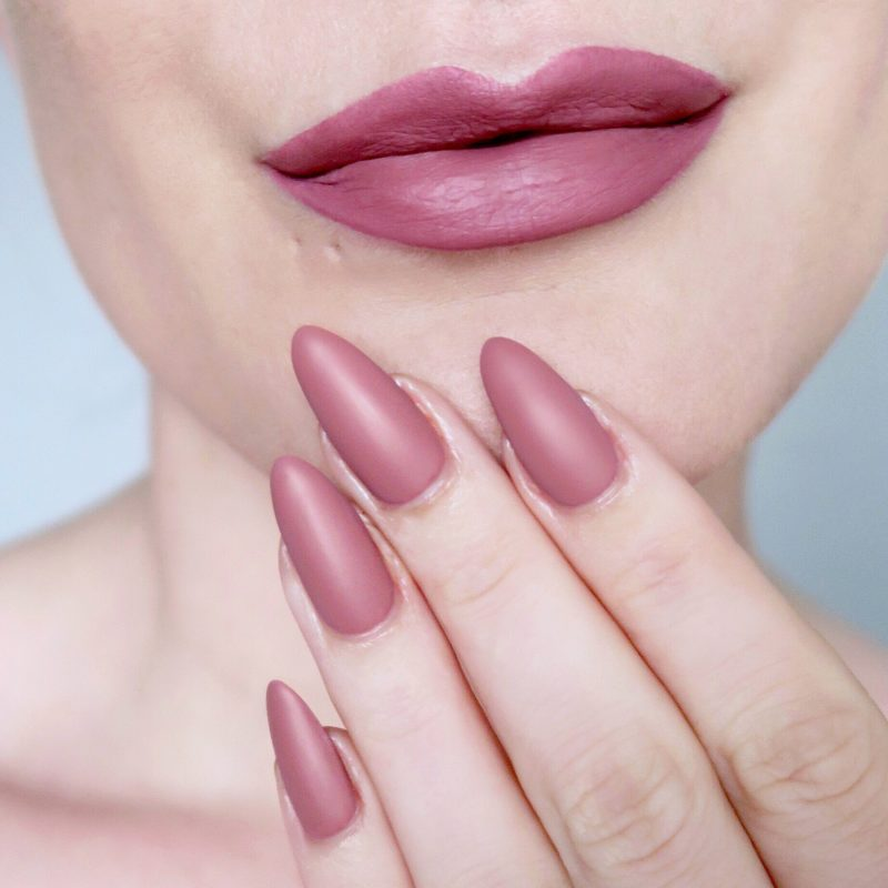 Nude lips and matching nails, matte blush pink nails (Talonted Lips And Tips)