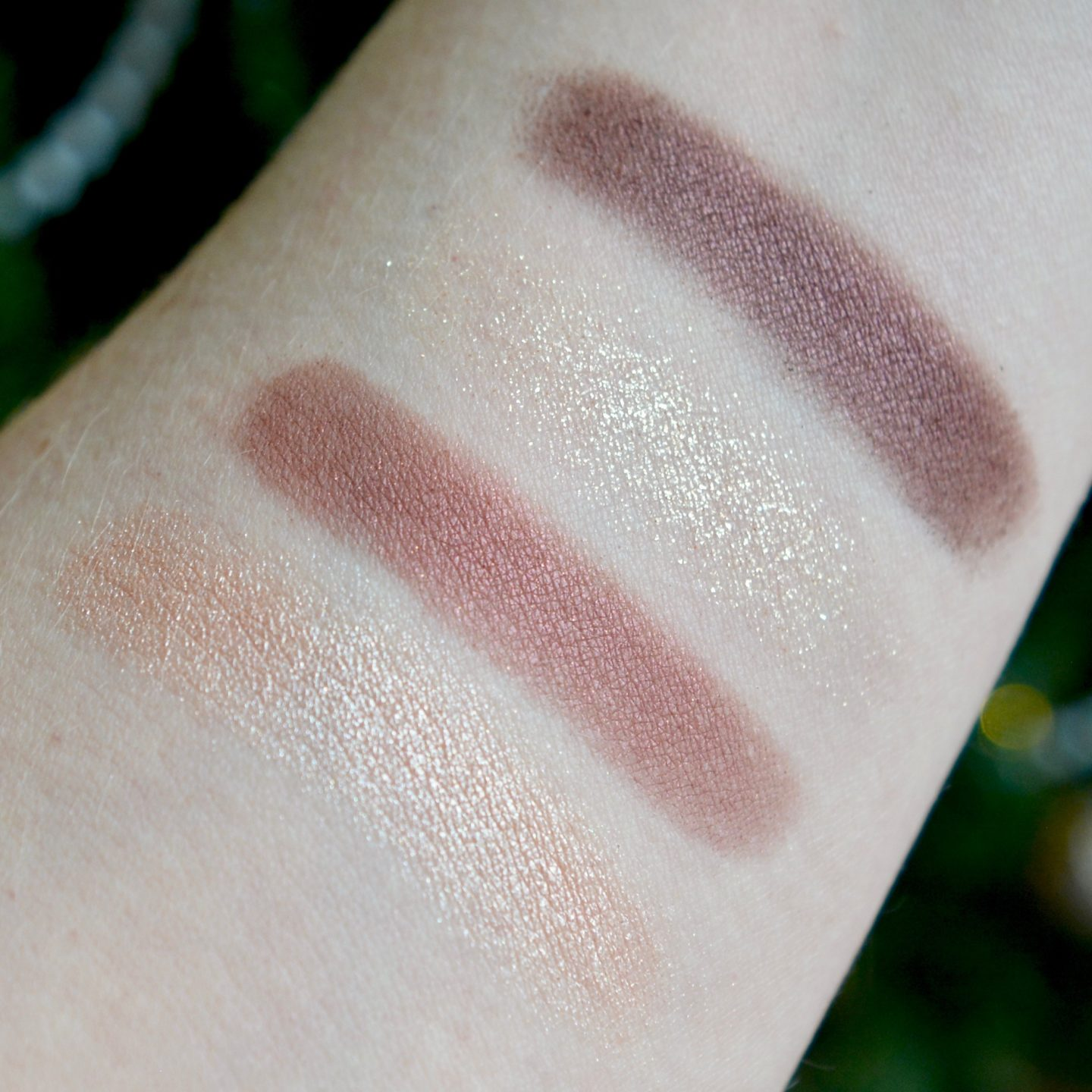 Glowy Make Up Edit - Charlotte Tilbury eyeshadow palette 'The Vintage Vamp'