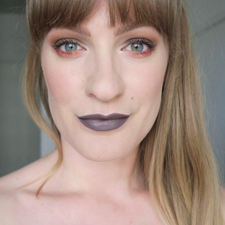 Grey and coral eye make up. Orange and grey aesthetic. Grey lipstick. Anastasia Beverly Hills lipstick.