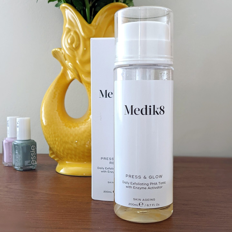 Medik8 Press & Glow Exfoliating PHA Tonic review. Exfoliation tips for rosacea prone skin. Sensitive skin exfoliating.